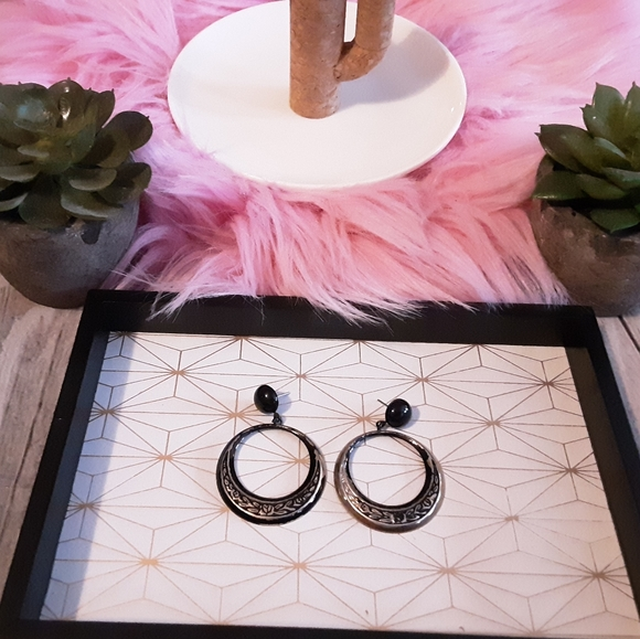 various Jewelry - 💎Black/Silver post earring with danling hoop💎